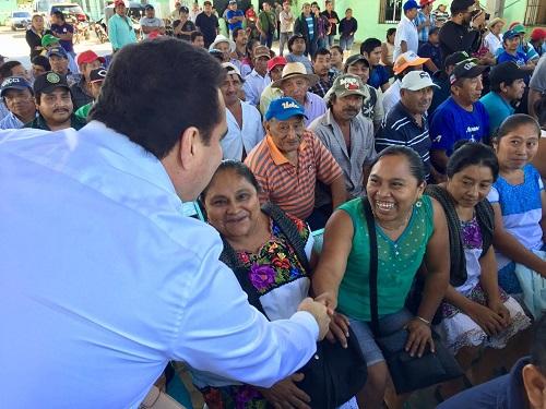 Jesús Vidal fomenta la apicultura en Yaxcabá, Chichimilá y Valladolid