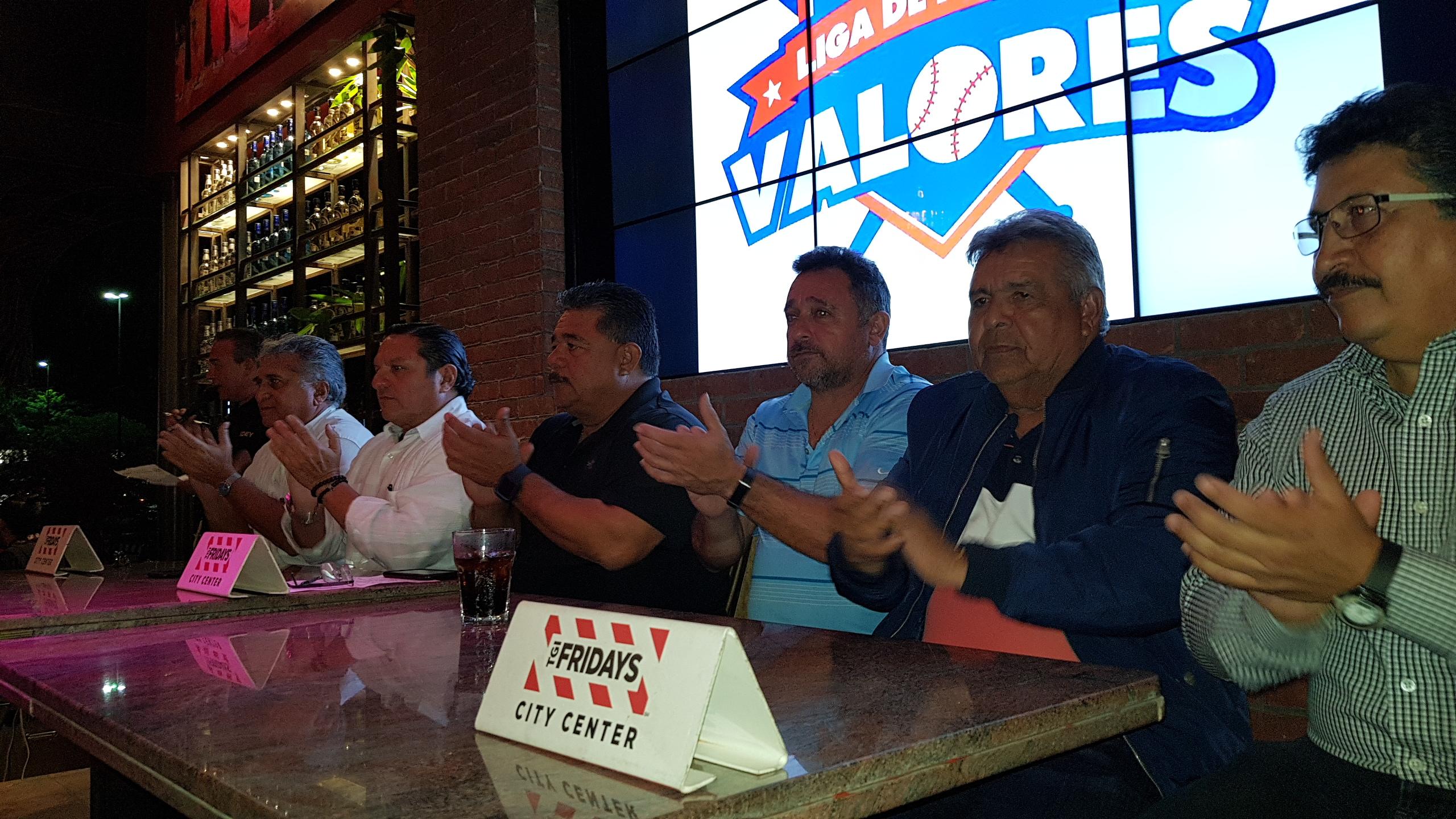 Una final muy pareja entre Tábanos y Atléticos, en la Liga de Nuevos Valores