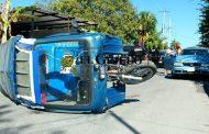 Kinchileño se duerme al volante y choca contra un mototaxi estacionado