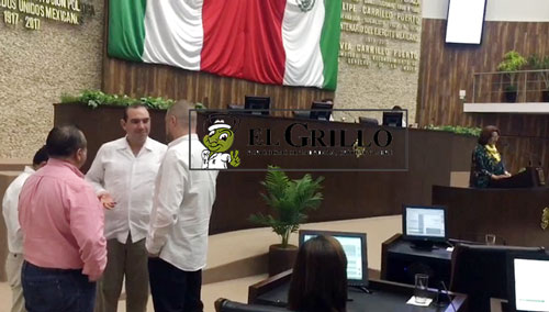 "Cinco diputados ""tiran a loca"" a su compañera Silvia López"