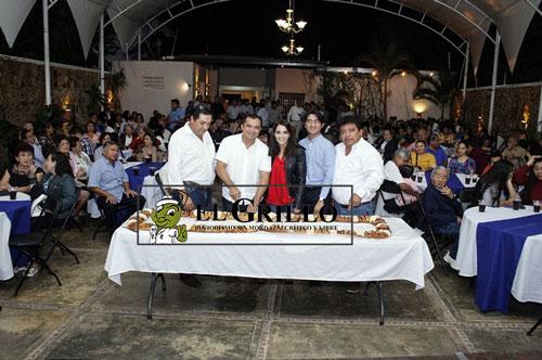 Valor Azul reúne a cientos de panistas de Mérida: Cortan la Rosca de Reyes