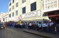 Trabajadores del Sntaea exigen su bono de tres mil pesos
