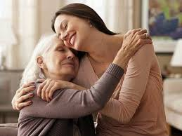Hablar por teléfono con tu mamá equivale a un abrazo, según un estudio