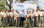 Renán Barrera presentó a los primeros 34 guardaparques que vigilarán 16 parques de Mérida