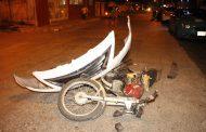 Se asomó de más y atropelló a un motociclista, en Vergel I