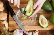 Comer a diario aguacate ayuda al corazón, al riñon y evita la diarrea y estreñimiento