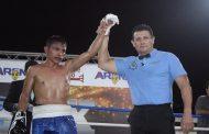 """El """"Veneno"""" López gana tras caer en el primer round, al """"Marro"""" Nieto"""