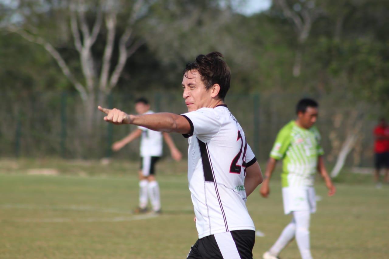Con cuatro pepinos de Euán, los Cuervos golearon al Deportivo Subín, en la Primera Fuerza