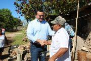 Renán Barrera entrega apoyos e inicia la primera Jornada del Empleo, en Molas